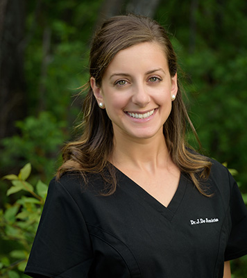 Dr. Julia De Amicis